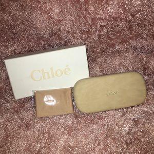 Chloé sunglasses case in beige suede. New in box